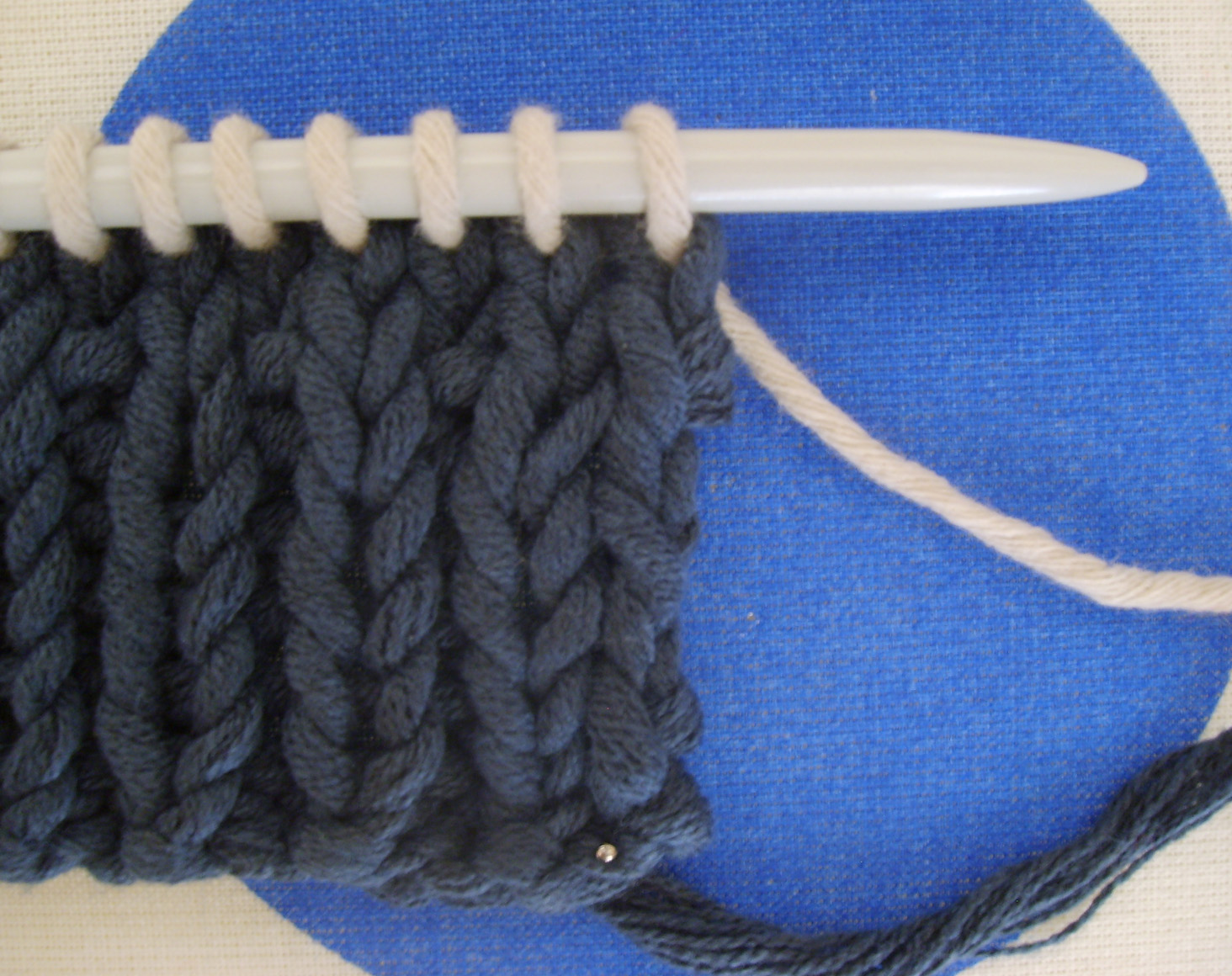 Assemblage tricot point chainette